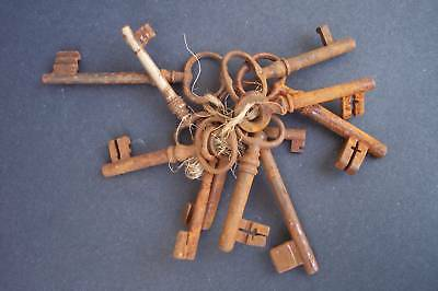 11 Rustic Antique SKELETON Keys some Hollow Barrel Door Lock chain Victorian