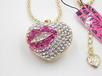 Free shipping! New Betsey Johnson Pink Pursuit heart crystal necklace # N031