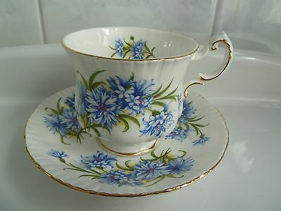 Paragon WARRANT by the Queen Tea Cup and Saucer  Set Fine Bone China England