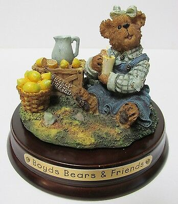 "Boyds #651225-4 * Topper, ""Lucy...Bearly Squeezed""w/ Base & Jar * Brand New/Box"