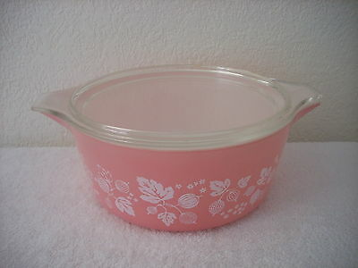 Vintage Pyrex Casserole 2 1/2 Quart Pink Gooseberry With Top Chic Kitchen