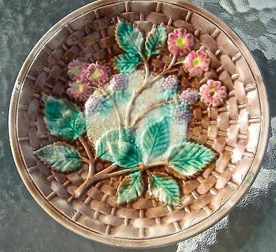 ANTIQUE BROWN FLORAL BERRY LEAVES MAJOLICA PLATE