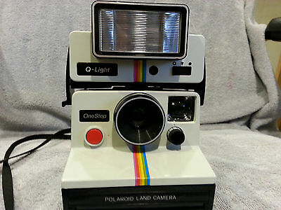 Vintage Polaroid SX-70 White Rainbow One Step Land Camera w/ 2351 Q Light