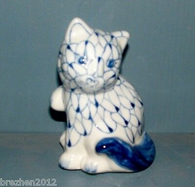 delft lucky cat blue and white porcelain China circa 1936 sgned