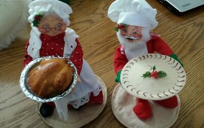 Annalee Cooking Santa and Mrs Claus