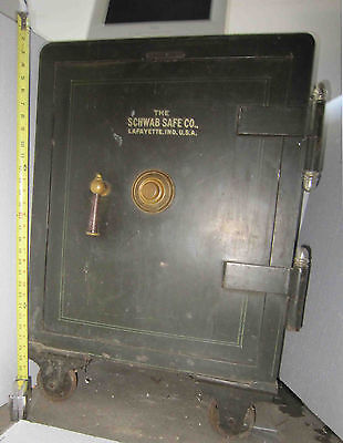Yale Co. Underwriter's Laboratory Rated FLOOR SAFE 4 number combination