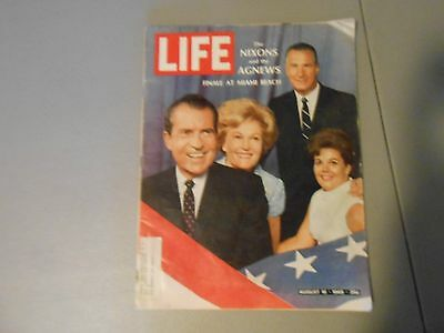 AUGUST 16,1968 LIFE MAGAZINE,THE NIXONS AND AGNEWS AT MIAMI BEACH,POLITICS,PRES