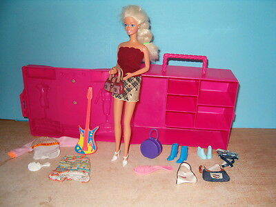 BARBIE DOLL,CLOTHES,ACCESSORIES AND CASE,LOOK AT
