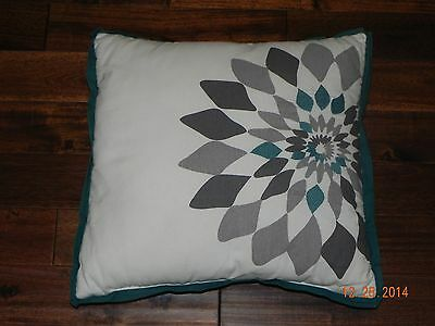 Target RE Home Toss Decorative Pillow 18x18 100% Cotton Gray/Teal/Cream w/ tags