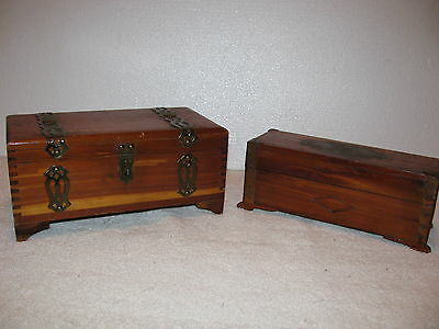 VINTAGE Mini CEDAR CHEST DOVETAIL JOINTS Trinket Box x 2 Footed