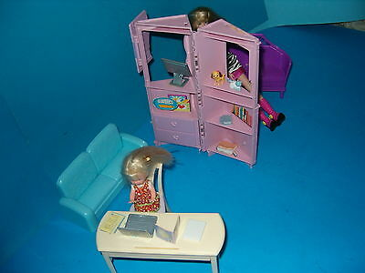 BARBIE AND KELLY DOLLS,FURNITURE,DIVIDER,CLOTHES,AND ACCESSORIES