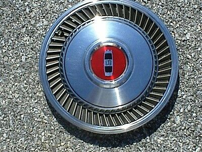 Vintage 1979-1982 Ford LTD Hubcap In Excellent Condition
