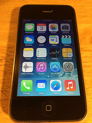 Apple iPhone 3G (8 GB) UNLOCKED.
