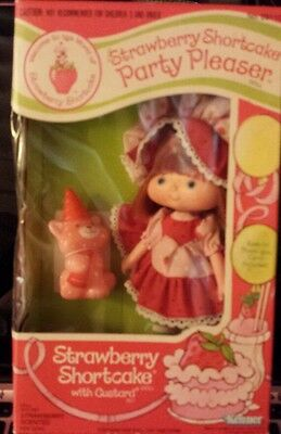 Strawberry Shortcake Party Pleaser Doll with Custard