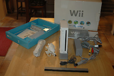 Nintendo Wii White Console (NTSC) - FREE SHIPPING!