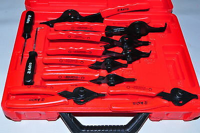12 Piece Combination Internal/External Snap Ring Pliers New in Box.