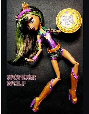 Monster High Clawdeen WONDER WOLF Power Ghouls SUPER HERO Comic EXCLUSIVE Doll !