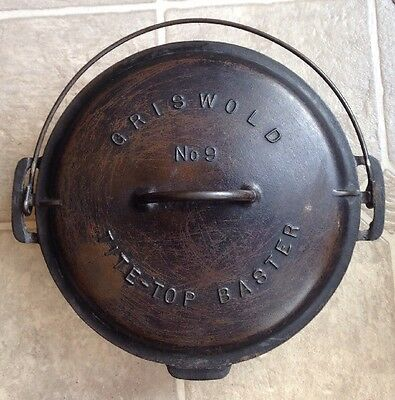 GRISWOLD CAST IRON 9 TITE TOP BASTER DUTCH OVEN with LID