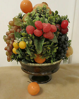 HULL USA F25 FRUIT BOWL PLANTER FILLED WITH VINTAGE PLASTIC FRUIT