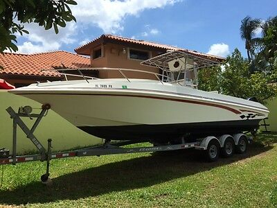 1998 31 foot Fountain offshore boat