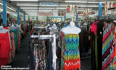 Clothing Lot of Men & Womans 40 pc For Wholesale or Resale