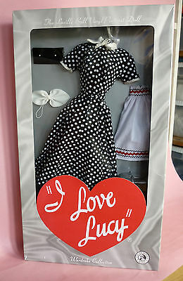 I LOVE LUCY - SALES RESISTANCE OUTFIT- FRANKLIN MINT - NRFB