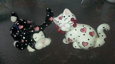 Amy Lacombe Whimsiclay Ceramic Cat and Dog salt/pepper shakers