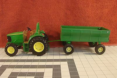 Ertl John Deere tractor with wagon