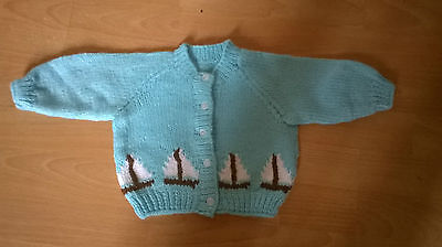 """Fab NEW Turquoise Hand Knitted Baby Cardigan Boat Pattern 16"""" Newborn 0-3 m Gift"""