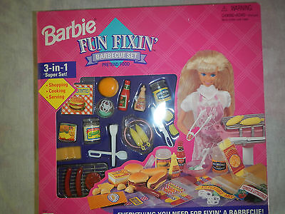 Barbie Fun Fixin Barbecue Set MIB