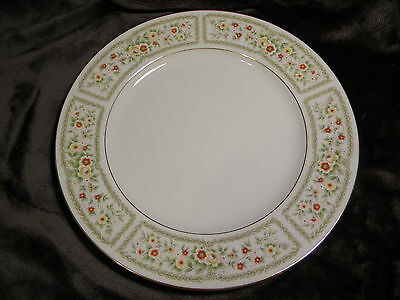 """Fine China Of Japan Brentwood 10 1/2"""" Dinner Plate 6216, Mint Condition"""