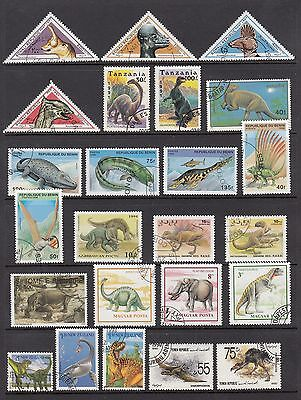 50 ALL different DINOSAUR STAMPS LQQK