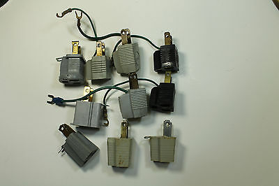 *Bulk* 10 Assorted Outlet Ground Adapters in Black and Grey (6ES5AH)