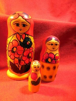 Vintage Wooden Hand Painted Russian Nesting Doll 3 pc set Moscow 1987