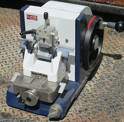 LKB Bromma Rotary One Retracting Microtome With Blades