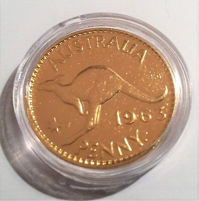 1963 Circulated Australian Penny Coin 999 24k Gold HGE in Acrylic Capsule. QE 11