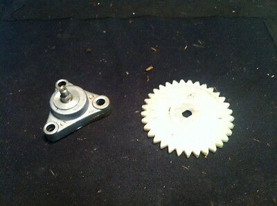 Chinese QMB139 Peace Sports 50cc Engine Oil Pump & Drive Gear GY6 @ Moped Motion