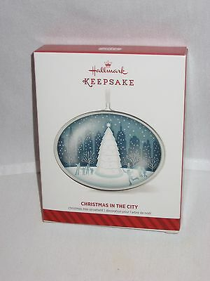 2014 Hallmark Christmas in the City Metal Ornament Mint in Box Free Shipping