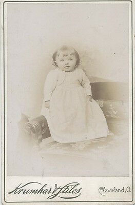 Cabinet Card Portrait Of Beautiful Light Eyed Baby - Cleveland, Oh