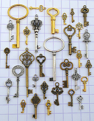 30 Antique Vtg Skeleton Key Lot Pendant Steampunk Jewelry Making Charm 657