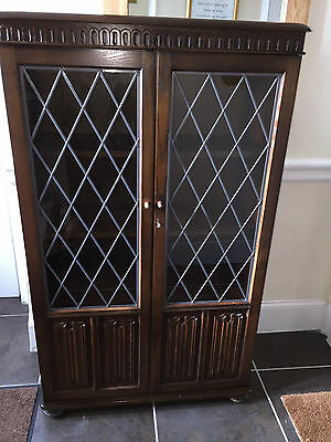 Dark Oak Display Cabinet leaded doors great condition - can deliver in Scotland