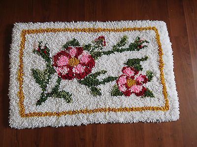 """Vintage  latch hook floral pinks floor/throw rug finished- 34"""" x 22""""-FREE SHIP"""