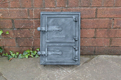26 x 35 cm old cast iron fire /bread oven door/doors furnace /flue/range/pizza