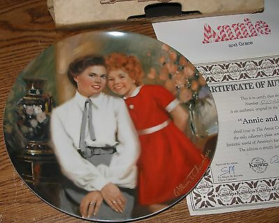Little Orphan Annie and Grace Collector Plate Knowles Bradford Exchange Nice