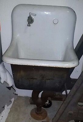 Vintage Cast Iron Farm Sink - Antique Farmhouse Industrial. Local pickup S. FL