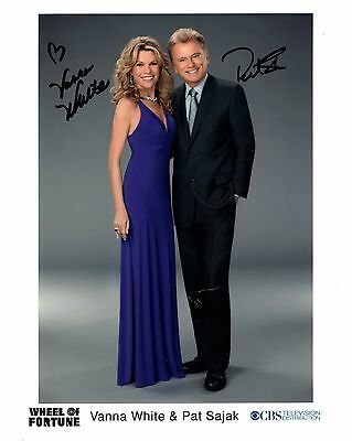 WHEEL OF FORTUNE AUTOGRAPHED 8x10 COLOR PHOTO+COA      SIGNED BY PAT+VANNA WHITE