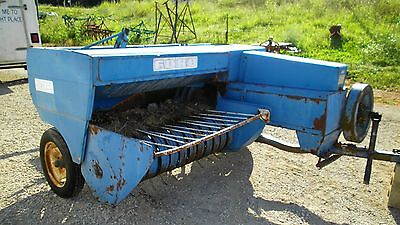 Ford 532 Square Hay Baler