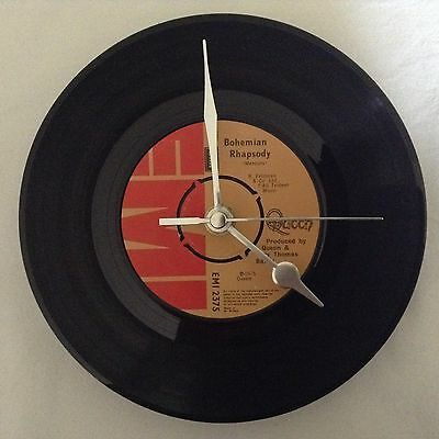 30th,40th,50th BIRTHDAY GIFT CLOCK- NUMBER 1 RECORD ON THE DAY YOU WERE BORN