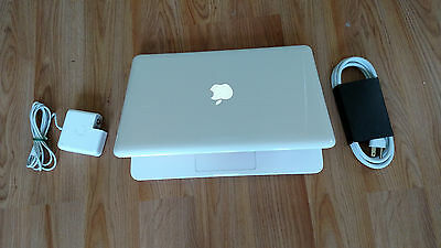 "Apple MacBook White 13"" MC516LL/A  250GB HDD, 2.40GHz NEW 8GB Ram, WebCam, WiFi."