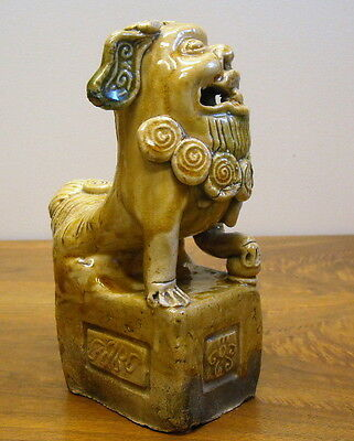 antique CHINESE very early POTTERY PORCELAIN FOO DOG LION